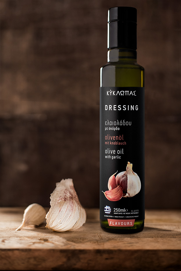 Dressing Garlic