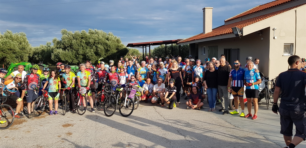 Greek, Turkish and Bulgarian cyclists did, they stopped by Kyklopas Olive Mill (video + photo)